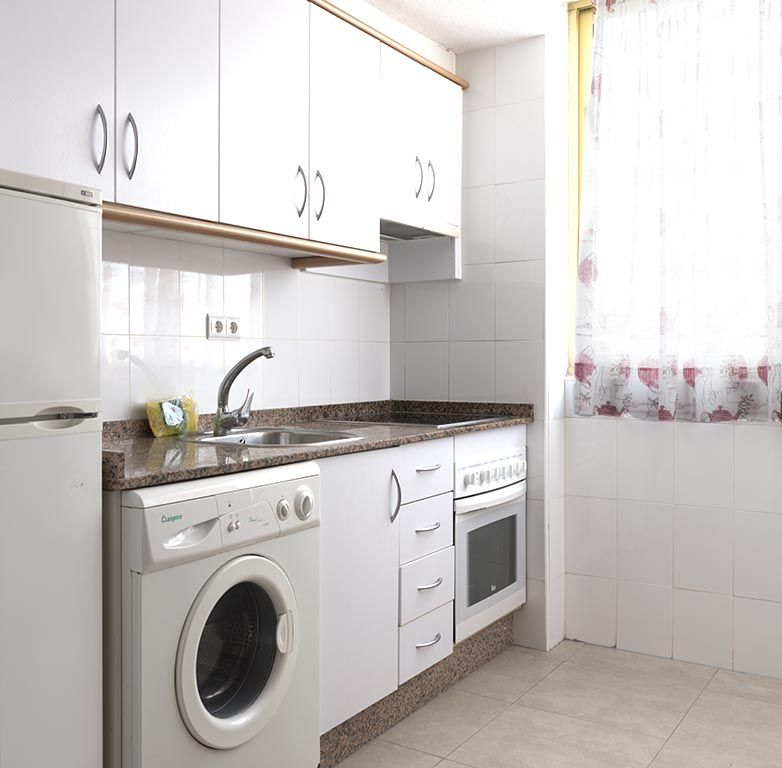 Benidorm apartments - Kitchen Mariscal 1